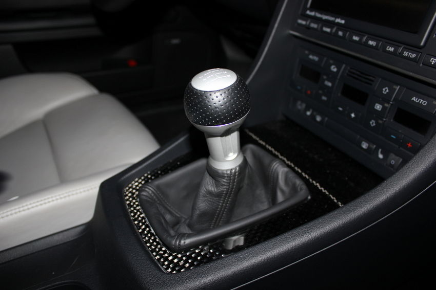 How to Change the Shift Knob on a B6/B7 Audi A4/S4/RS4