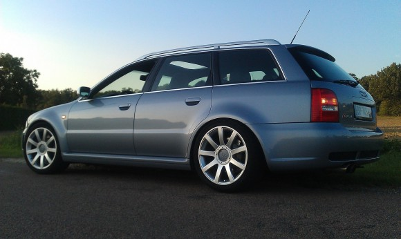 B5 Audi RS4 Avant - Silver