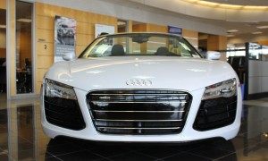 Checking out the 2014 Audi R8